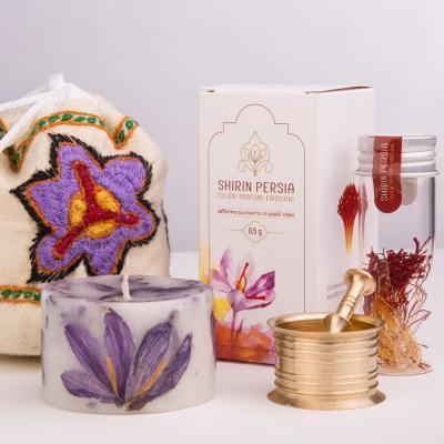 Confezione regalo Pure White + Zafferano iraniano di Qa'en - in pistilli interi da 0,5 grammi