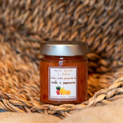 Salsa dolce piccante di mele e peperoni