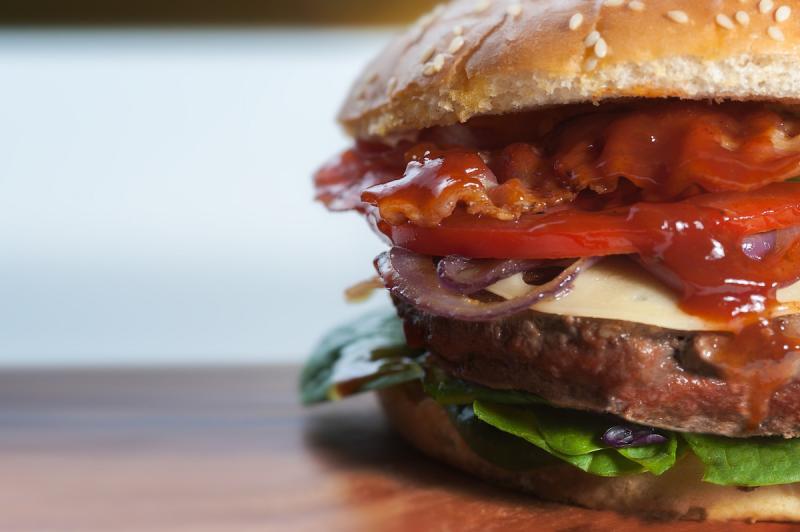 burger-1835192-1920,4172.jpg?WebbinsCacheCounter=1-frigovuoto